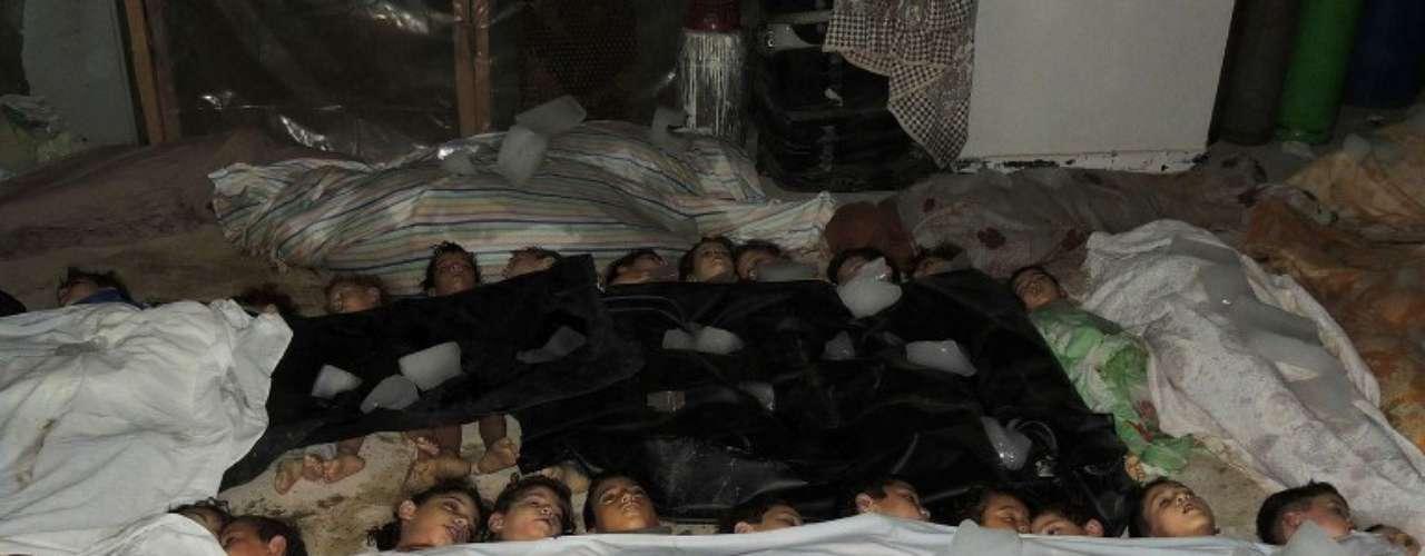 La Coalición Nacional para las Fuerzas de la Revolución y la Oposición Siria (CNFROS) denunció la víspera que al menos mil 300 personas murieron, entre ellas bebés y niños, en un ataque con armas químicas en Ghuta oriental y otras áreas en los alrededores de Damasco.