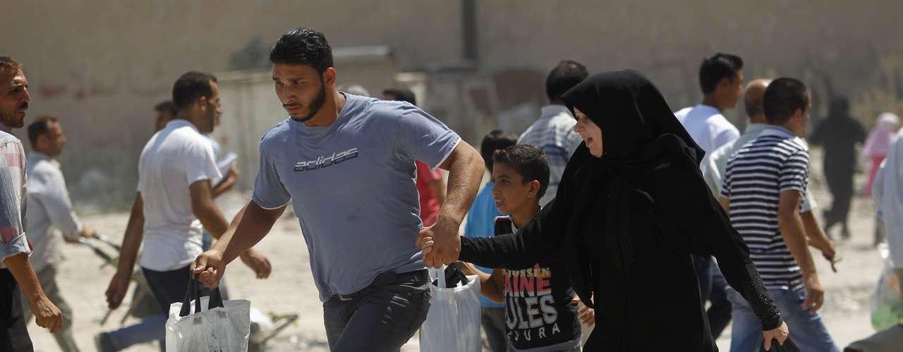 El ministro británico de Exteriores, William Hague, espera que los aliados de Asad se \