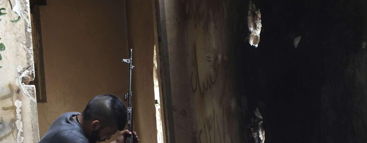 Numerosos países así como la Liga Árabe pidieron que los expertos de Naciones Unidos que llegaron el domingo a Siria para investigar el eventual uso de tales armas en el conflicto visiten de inmediato el lugar.