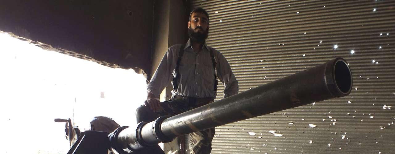 La oposición siria acusóal régimen de matar a 1.300 personas en un ataque con armas químicas cerca de Damasco, pero Rusia, aliado del presidente Bashar al Asad, la acusó de haber planificado una provocación.