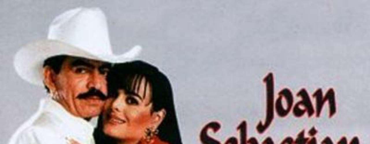 'Tu y Yo' fue el nombre de la telenovela que vio nacer este amor en el 1996. Maribel Guardia y Joan Sebastián llevaron su química más allá de las pantallas y tuvieron un hijo juntos, llamado Julián, que al parecer, heredó las dotes de compositor de su talentoso papá.
