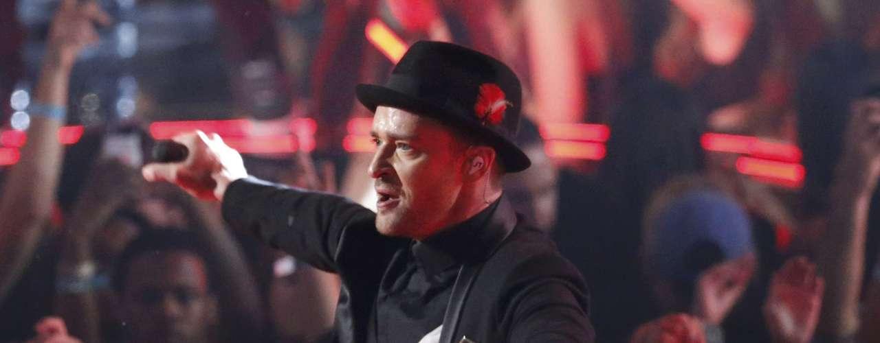 Justin Timberlake, causó la locura sobre la tarima al ritmo de algunos de sus éxitos, entre ellos \
