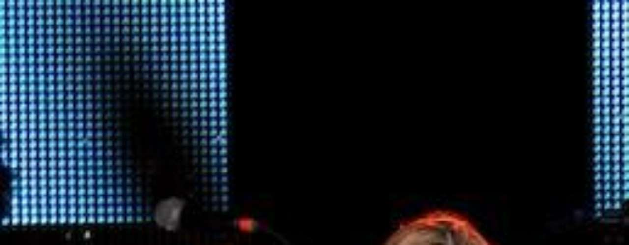 Primerlo Ana Bárbara anunció con bombos y platillos que estaba embarazada y que el proceso se había hecho por inseminación artificial. Luego, obligada tal vez por el propio papá de la criatura, confesó que él era el responsable de esa nueva vidita en el mundo. Lo que quedó claro es que ellos eran sólo amigos, y nada más. Ups.Las curvi-mamacitas de las novelasActrices de novela: ¿De quién es esta gran 'pechonalidad'?Los 50 rostros más bellos de las telenovelasEstrellas de novela que se han desnudado en Playboy