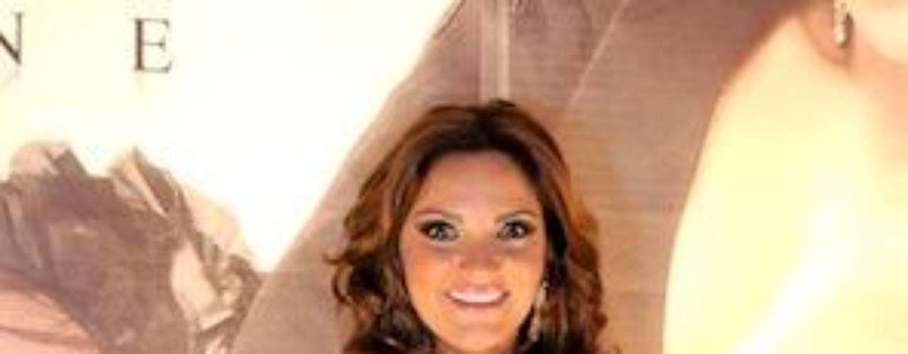 Será una niña buena, pero en las lides del amor, le va de la patada. Mariana, quien personificó a 'Oriana Parra-Ibáñez' en la telenovela mexicana 'Mar de Amor', y también participó como villana enla producción de Televisa 'Por Ella Soy Eva', terminó en 2009 su noviazgo con el actor Rodrigo Nehme, con quien duró 7 meses.Las curvi-mamacitas de las novelasActrices de novela: ¿De quién es esta gran 'pechonalidad'?Los 50 rostros más bellos de las telenovelasEstrellas de novela que se han desnudado en Playboy