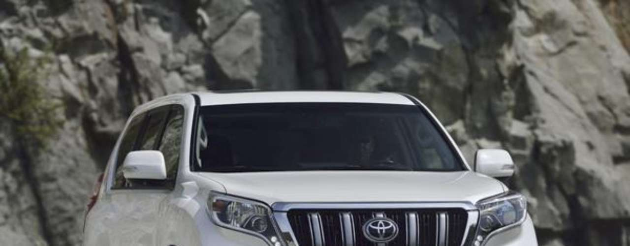 Fotos Toyota Land Cruiser Prado 2014
