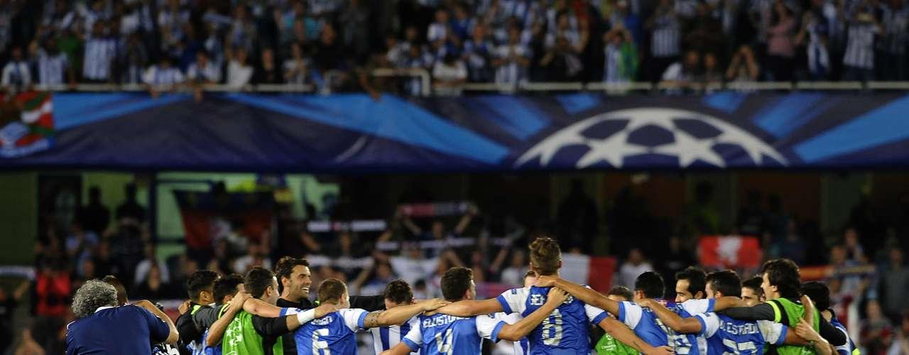 Al final, el conjunto español festejó su pase a la fase de grupos de la Champions League.