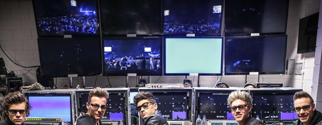 'One Direction: This Is Us' (2013). Morgan Spurlock ('Súper Engórdame') nos muestra a Harry Styles, Liam Payne, Zayn Malik, Niall Horan y Louis Tomlinson tal como son en casa, durante los ensayos de su más reciente gira y cuando conviven con la legión de fans que tienen en todo el mundo.