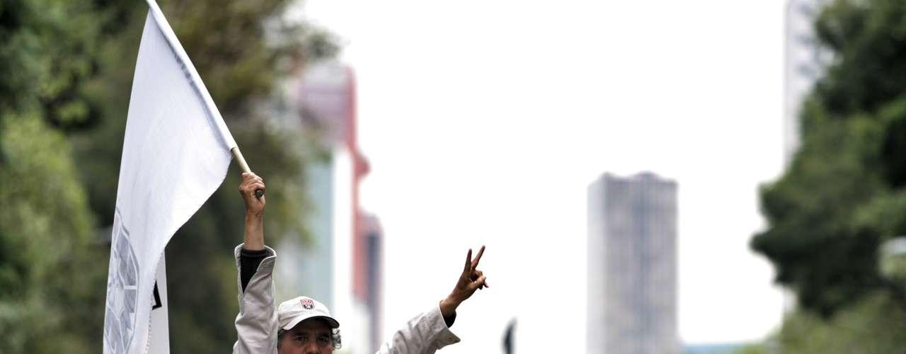 La SSPDF recomendó a los automovilistas evitar la zona y utilizar como alternativas viales las vías Puente de Alvarado, Fray Servando Teresa de Mier, Doctor Río de la Loza, Arcos de Belén y la avenida Chapultepec, entre otras.
