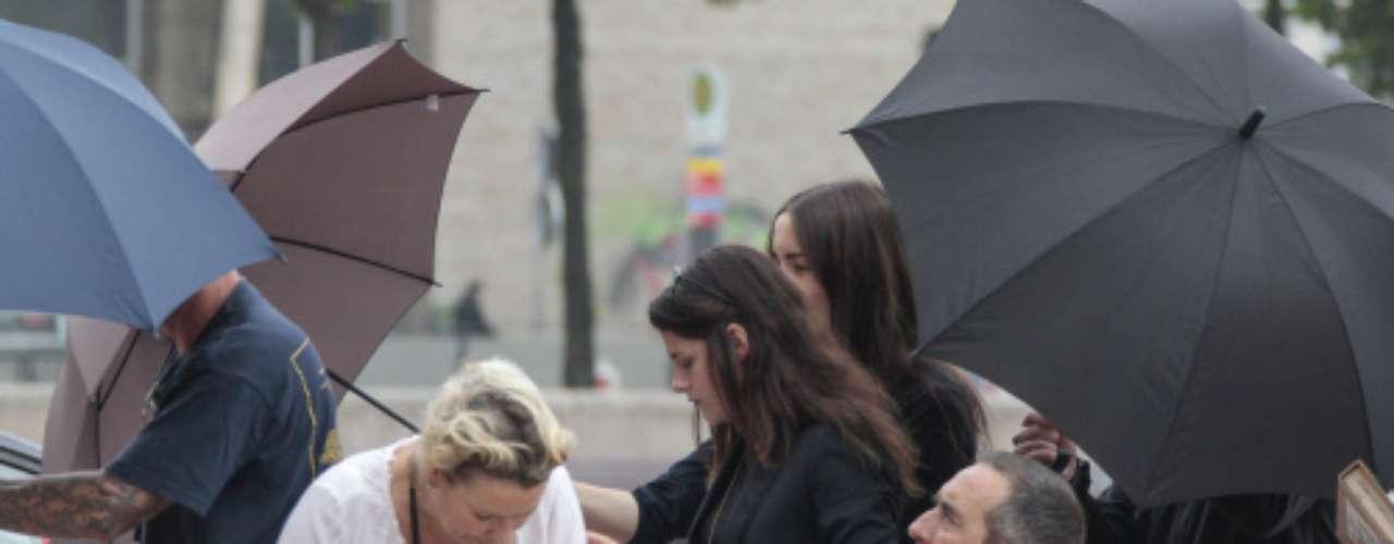 Aunque Kristen no es considerada una de las actrices más risueñas, la cara de desconsuelo con la que recorre el set de rodaje no ha dejado a nadie indiferente.