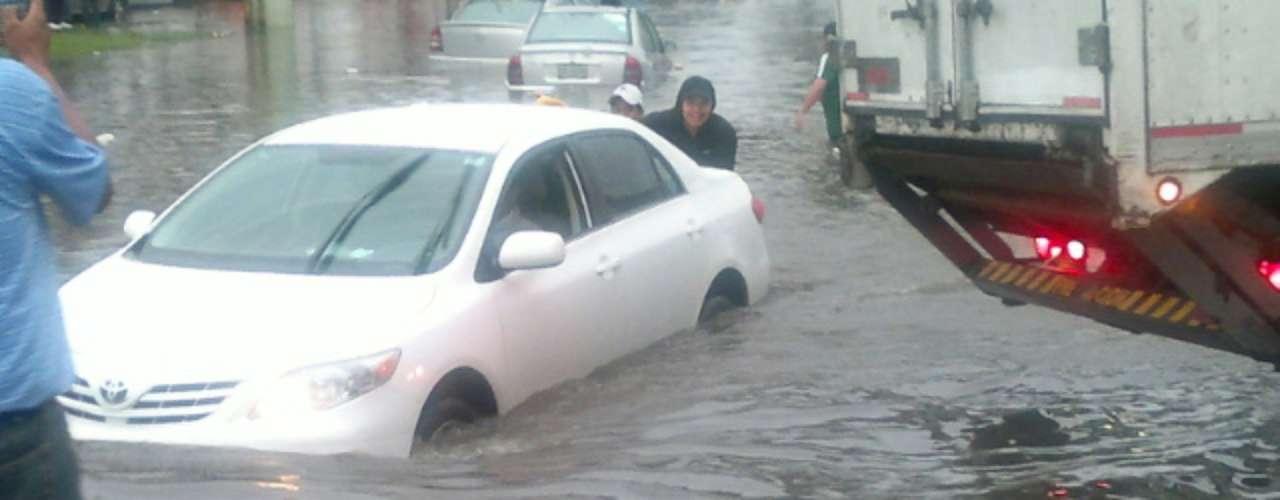 De acuerdo con el Sistema de Aguas de la Ciudad de México, Iztapalapa fue la demarcación más afectada con 119 encharcamientos de 185 que se registraron en el Distrito Federal.