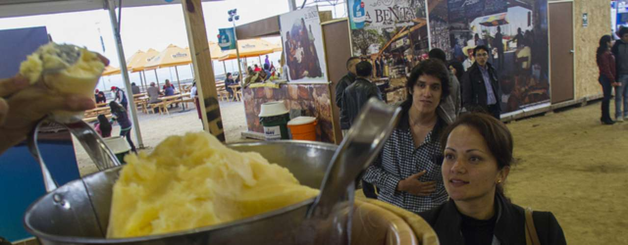 Si te perdiste del primer día de Mistura 2013, aquí te presentamos un resumen de lo mejor de esta feria gastronómica que tuvo baile, comida, diversión y muchas emociones.