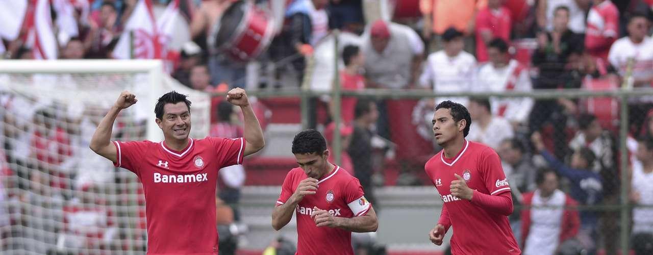 Apenas al minuto 2, Juan Carlos Cacho adelantó a los Diablos tras empujar el balón en el área chica, tras un centro de Carlos Esquivel.