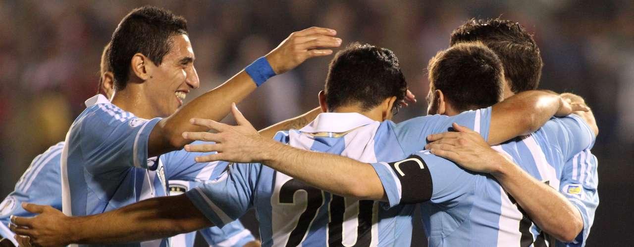 Argentina confirmó con su triunfo 5-2 ante Paraguay su hegemonía en Conmebol para ganarse su derecho a jugar la Copa del Mundo.