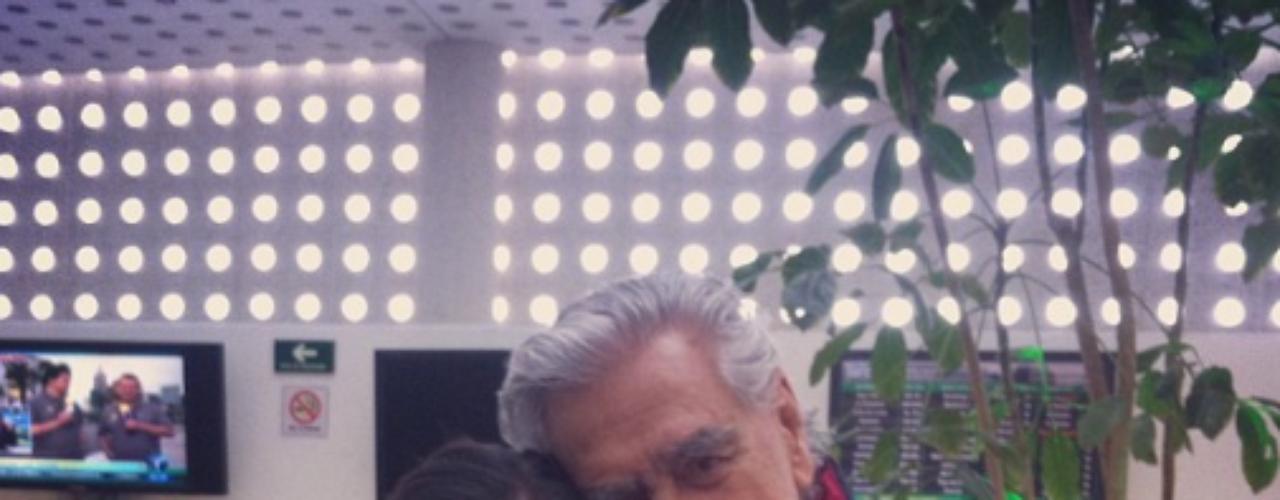 11 de Septiembre - Kate del Castillo regresó a México después de estar trabajando fuera de su país y fue recibida con mucho amor por su papi, el actor Erick del Castillo y su perrita Lola.