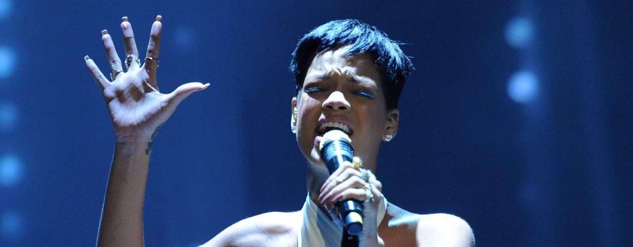 Rihanna. En 2009 la barbadense fue golpeada por su novio Chris Brown, lo que impidió la presencia de la voz de 'We Found Love' en una entrega de premios Grammy. La pareja rompió en ese momento y regresó años después, sin embargo, todo se diluyó a pesar de que Rihanna tuvo el valor de perdonarlo.