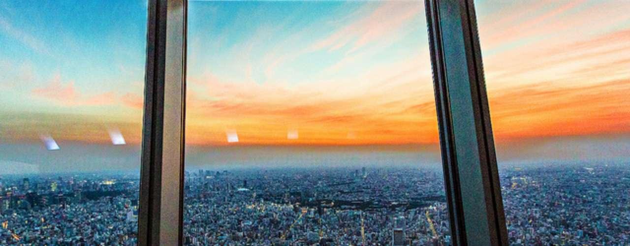 Tokio desde el Sky Tree. Esta torre de radiodifusión tiene un restaurante y un mirador que permite contemplar la ciudad desde una altura de 634 metros.