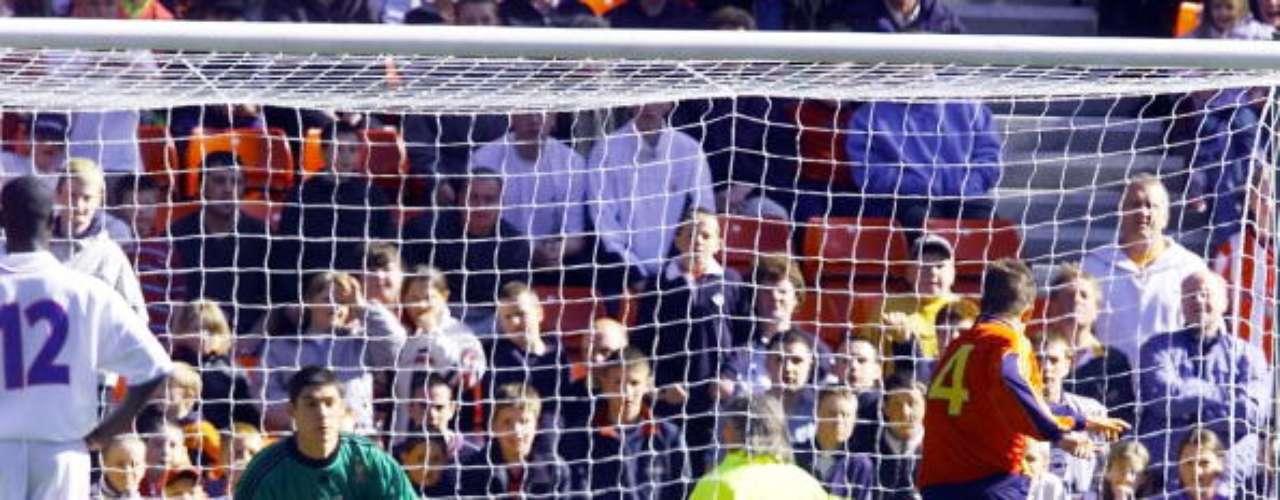 A pesar de un torneo gris para Fernando Torres, donde España quedó eliminada en primera fase, el \