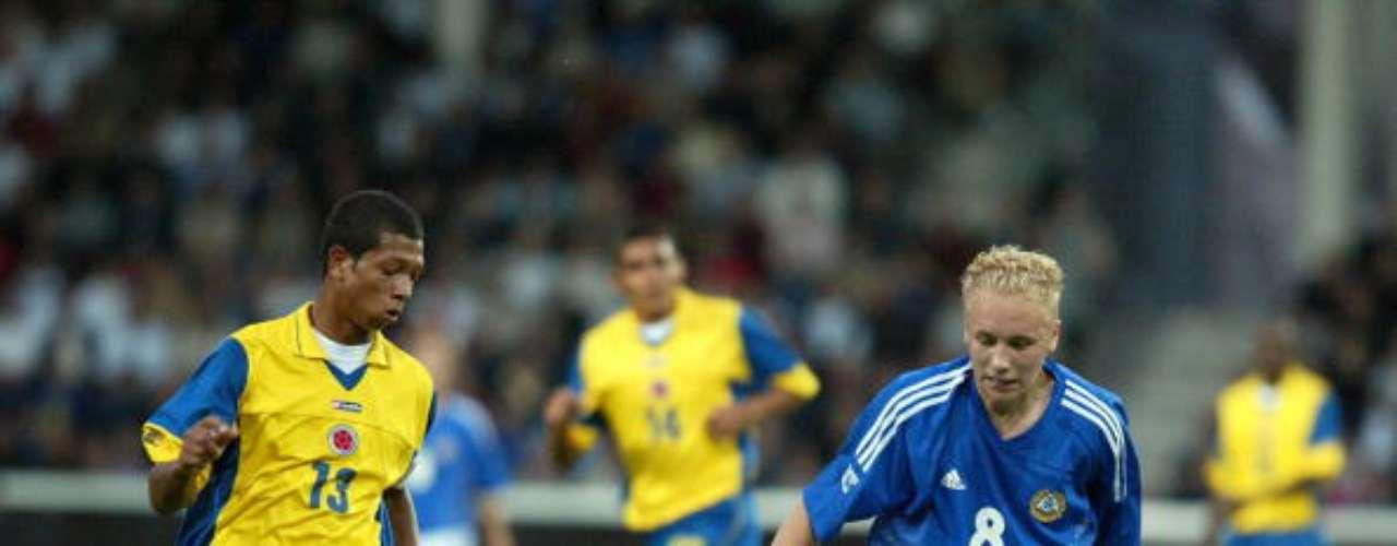 Freddy Guarín (izquierda) fue capitán de Colombia durante el Sub-17 de 2003, su gran rendimiento en la competición motivó un fugaz traspaso por Boca Juniors, de donde pasó al Saint Etienne francés. Su madurez futbolística le llegó en el Porto de Portugal, para dar paso a su consagración en el Inter de Milan, donde hoy es indiscutido.