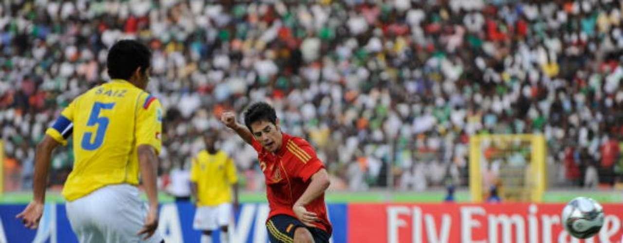 Isco, la más reciente estrella del fútbol español, formó parte del tercer puesto de España en 2009. A nivel clubes, tuvo su explosión en el Málaga luego de un complicado comienzo en Valencia. Hoy es uno de los flamantes refuerzos del mediocampo del Real Madrid, junto con Gareth Bale.