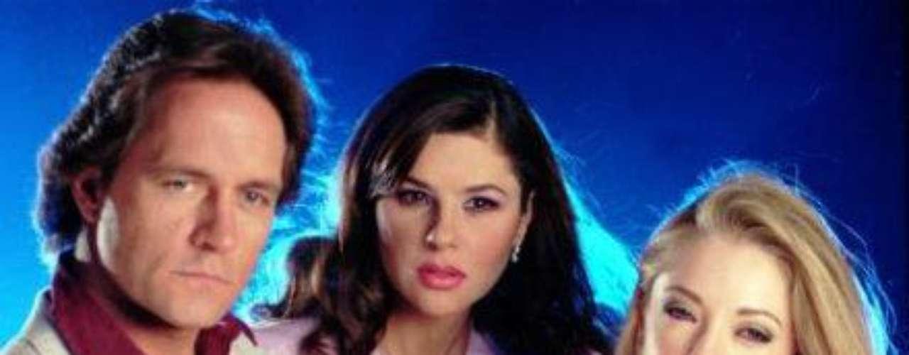 """Niurka Marcos también se quejó de que en la telenovela """"Salomé"""", la rubia mexicana no aceptara que nadie saliera mejor arreglada que ella, porque se sentía terriblemente amenazada en su belleza y desde Niurka, hasta otras varias en el elenco, les tocó salir medio maquilladas toda la producción"""