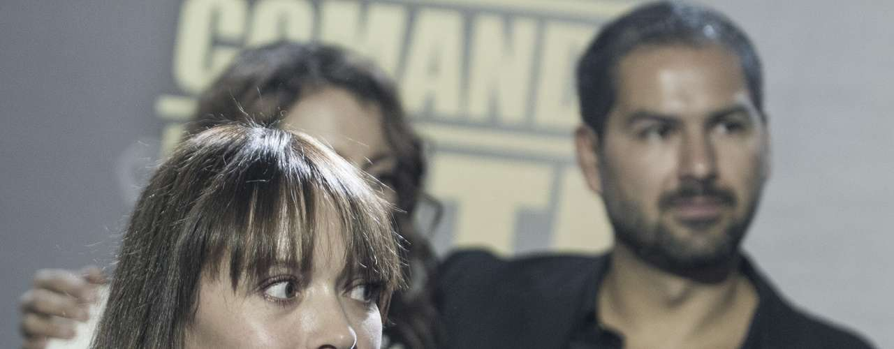 En los roles protagónicos están el peruano Salvador del Solar y Carolina Acevedo.