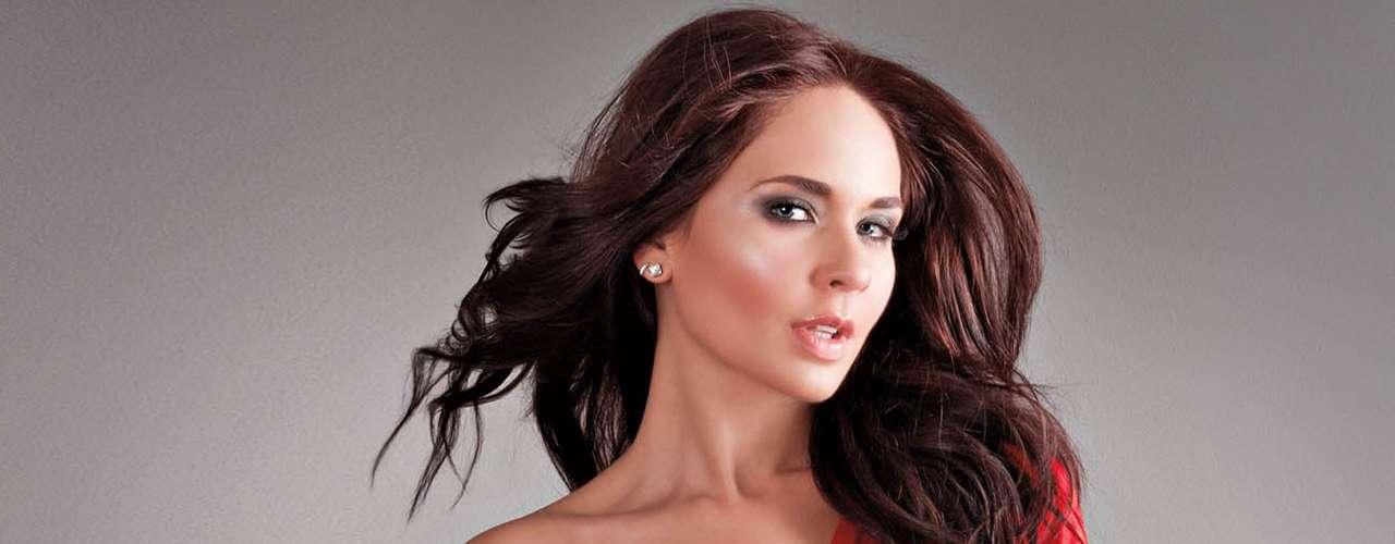 Adriana louvier se luce en su faceta m 225 s sensual para la revista open