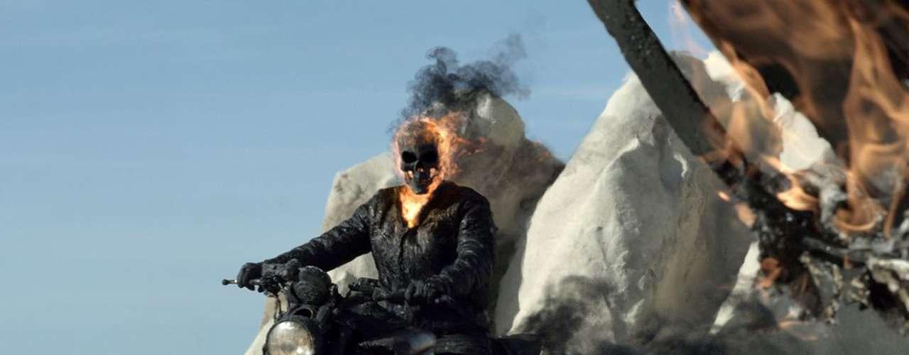 'Ghost Rider: Spirit Of Vengeance': Johnny Blaze lucha contra la maldición que lo condena a ser un cazador de recompensas del diablo y se une a un monje que le promete ayudarlo a cambio de que Blaze salve a un joven de las garras de Lucifer. Domingo a las 10 de la noche, por Moviecity Action.