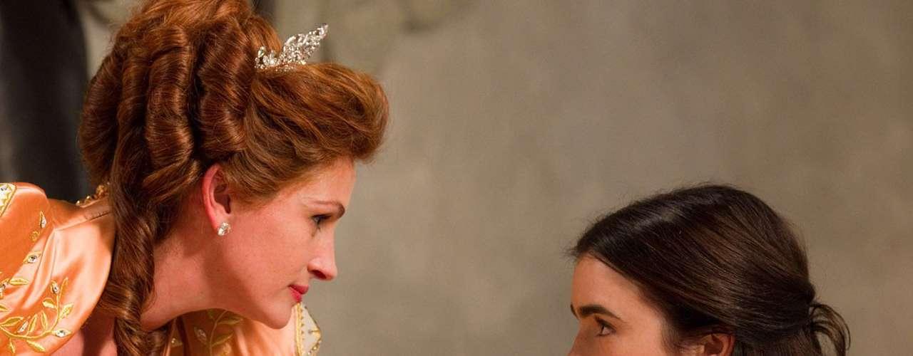'Mirror, Mirror': En esta nueva versión del cuento clásico de Blancanieves, siete bravos enanos acompañan a la joven heredera para que reclame su derecho al trono, venza a la malvada reina y se quede con el apuesto príncipe. Viernes 4 de octubre a las 8 de la noche, por Moviecity Family.