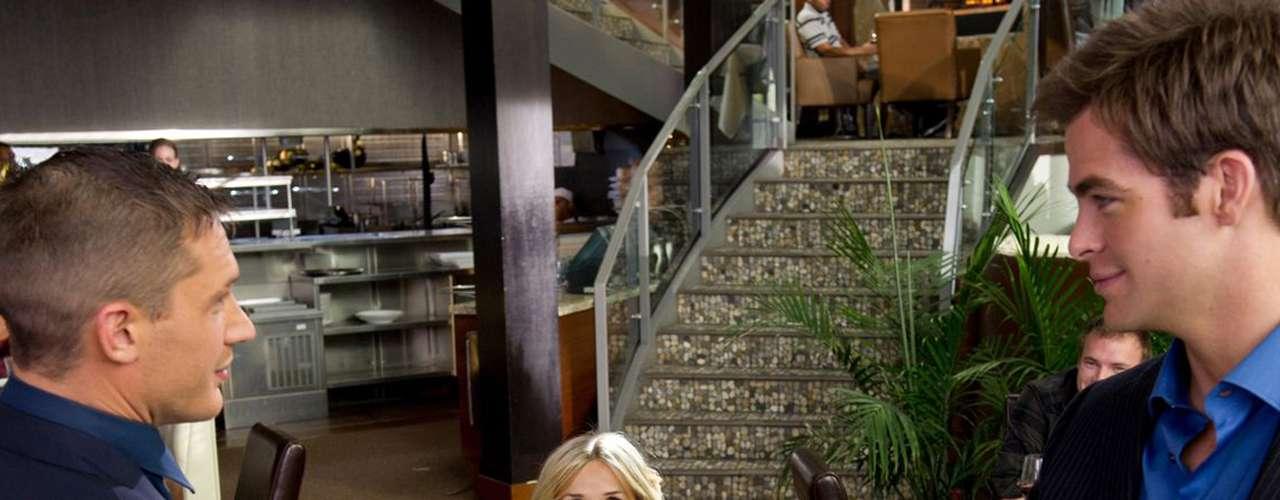 'This Means War': Dos amigos inseparables, y letales agentes de la CIA, se enamoran de la misma mujer. A medida que los celos aumentan, la ciudad de Nueva York se verá seriamente perjudicada ante una batalla de enormes proporciones. Sábado 5 de octubre a las 8 de la noche, por Moviecity Hollywood.