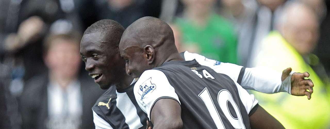 Los antiguos compañeros en la delantera del Newcastle, Demba Ba y Pappis Cissé, quieren poner a Senegal en el Mundial de Brasil 2014, para eso deberán dejar a un lado su ranking (66) para vencer a Costa de Marfil.