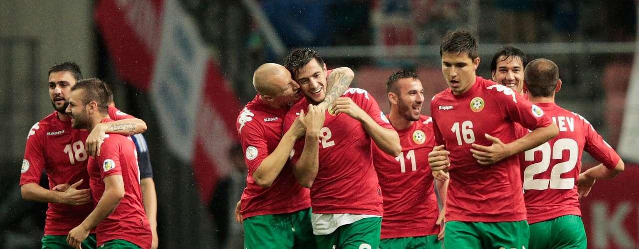 Bulgaria, lugar 64 del mundo según el ranking FIFA, quiere volver al Mundial luego de su última participación en Francia 1998, sin tantas estrellas pero con un grupo sólido, busca asegurar el repechaje en el grupo B donde Italia ya consiguió cupo directo.