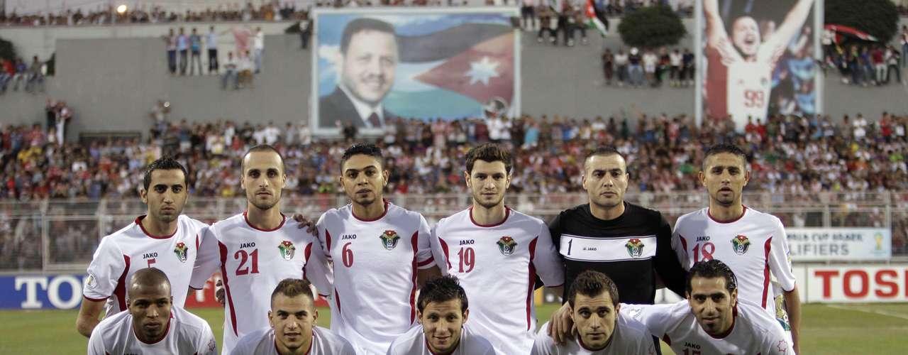 Jordania,que inesperadamente eliminó a Uzbekistán en el repechaje de Asia, espera al quinto lugar de la eliminatoria de la Conmebol para saber con qué rival disputará su pase al Mundial del 2014. Jordania es el segundo peor equipo con posibilidades en el lugar 73 del ranking.