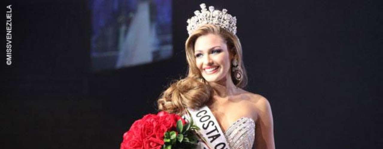 Y la reina Miss Costa Oriental, Migbelis Lynette Castellanos Romero. Tiene 18años y mide 1,76 metros de estatura y su ciudad natal es Cabimas