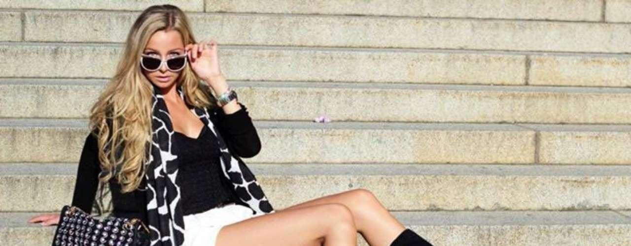 Miss Suecia - Alexandra Friberg. Tiene 19 años de edad, mide 1.80 metros de estatura (5 ft 11 in) y procede de Estocolmo.