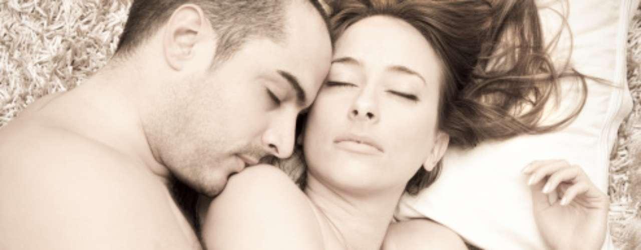 7. Sentirnos complacidas. La sexóloga comenta que muchas mujeres sienten que son usadas para satisfacer una función fisiológica del varón. No hay mujer que pueda sentirse bien en la cama de esta manera, expresa. Además, que para la mujer es vital que para él también sea importante el placer de su parece, que se esmere en complacerla.