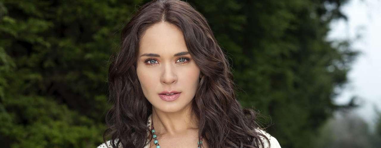 Adriana Louvier interpreta el papel de 'Constanza'.