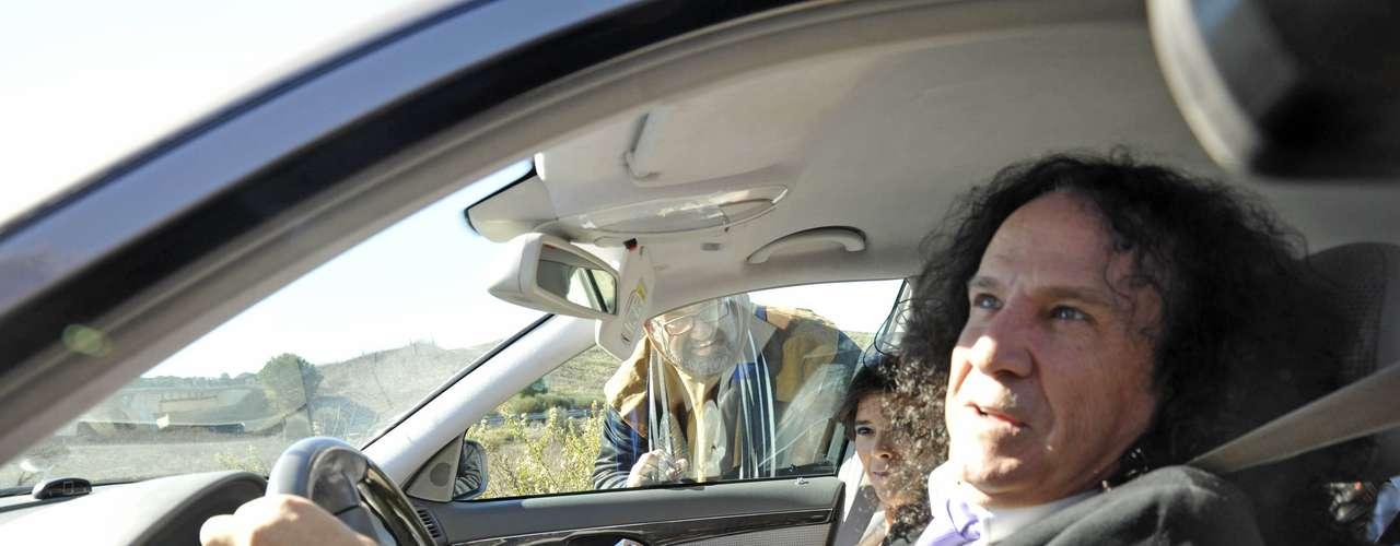 Fortu, cantante de Obús, a su llegada a la boda. El artista conoció a la pareja en 'Mira quién salta' (Telecinco).