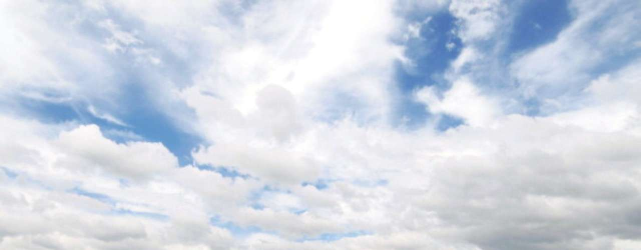 Para que sucedan, los ciclones tropicales generalmente requieren temperaturas en el océano de al menos 80º F ( 30º C).