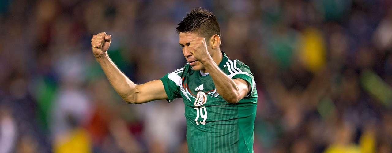 El atacante Oribe Peralta es el hombre fuerte, el hombre clave a la ofensiva de México, el carga con todo el poder ofensivo del Tri.