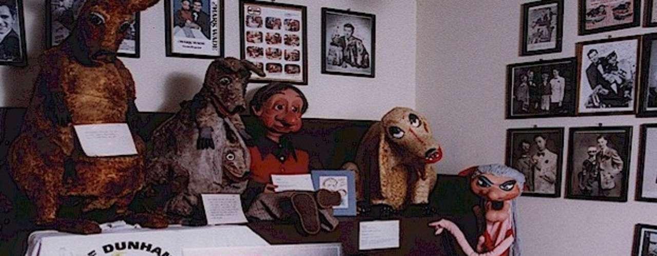 Museo Vent Haven, Kentucky. William Shakespeare Berger, un habitante de Cincinnati, inició una fascinante (y ¿aterradora?) colección de ventrílocuos, que ahora alcanza 700 piezas. Ahora es posible visitarla en este particular museo, el único de su clase.
