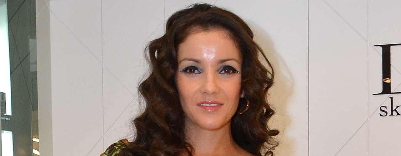 Sin embargo, varios rumores aseguraron que elproducción Salvador Mejía la despidió varias veces por supuestamente llegar en estado de ebriedad al set de grabación.