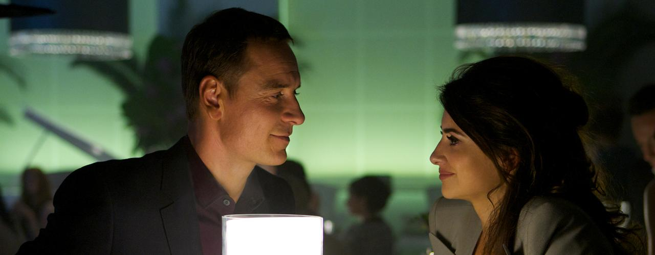 Las escenas de Penélope Cruz ('Laura') y Michael ('El abogadoFassbender') transmiten la profundidad de los sentimientos que se profesan entre ambos.