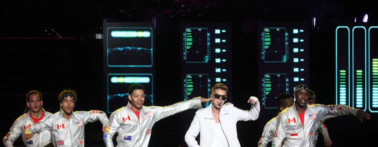 'Never Say Never' y 'Beauty An a Beat' fueron de los temas más bailados en el show de Justin.
