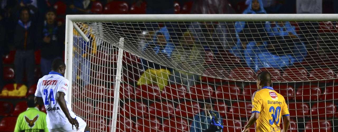 Por parte de Querétaro, Wilberto Cosme se ha convertido en el hombre gol, una vez que se ha adaptado al estilo de juego del futbol mexicano.