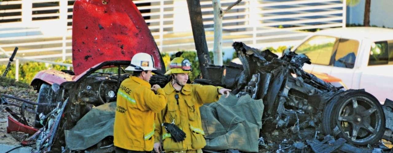 El actor Paul Walker, famoso por su personaje protagónistaen la saga 'Fast & Furious' falleció la tarde del sábado 30 de noviembre a los 40 años en un trágico accidente de coche. El Porsche en el que se encontraba Paul Walker quedó totalmente quemado