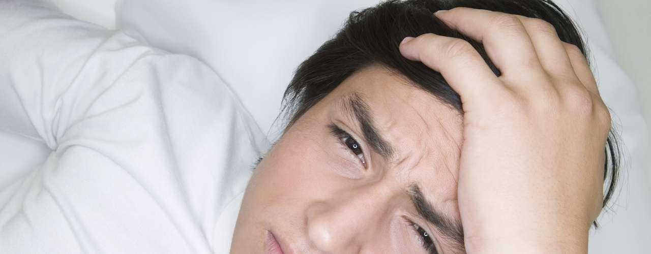 ¿Dolor de cabeza? ¿Malestrar general? Puede ser un simple catarro, pero puede que sea algo más.Enfermedades graves como el sida suelen comenzar con fiebrey pueden no recibir la atención adecuada al ser confundidas con un simple resfriado. Sin alarmarte, pon atención a la duración e intensidad de los síntomas.