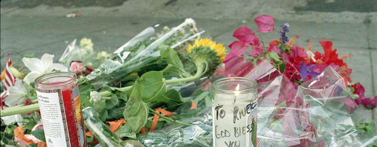 La causa de la muerte de River fue una sobredosis dealcohol y drogasprovocándole convulsiones y la muerte unas horas después.
