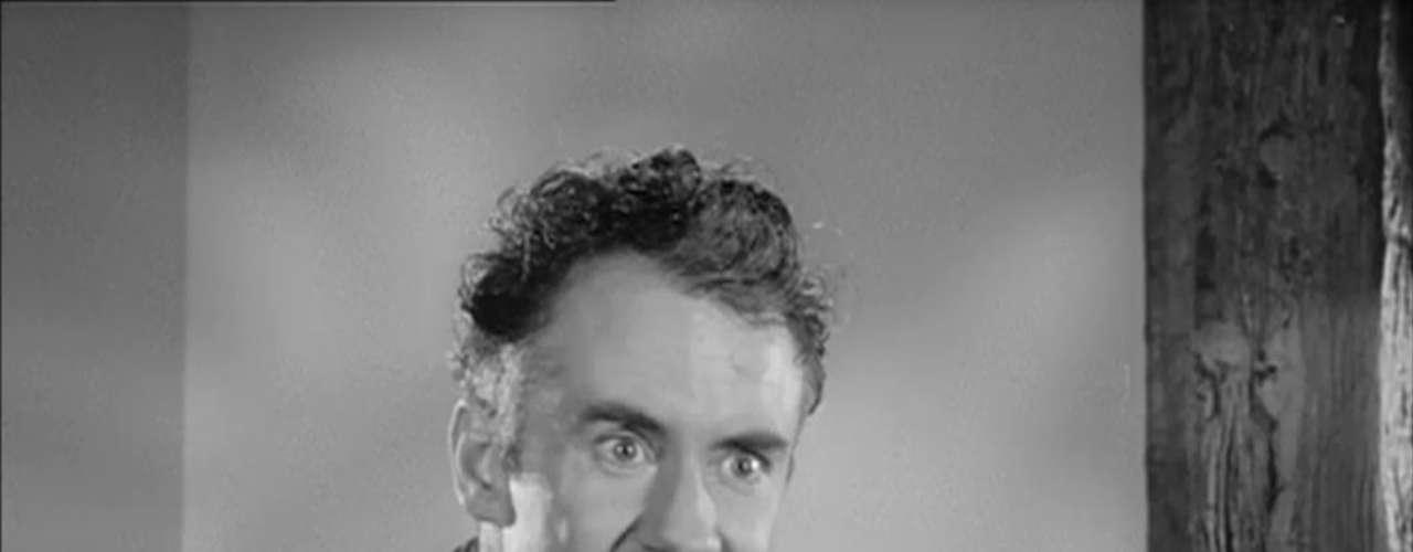 Ian Bannen fue un actor que brilló en las décadas de los 50 y los 60 con cintas como 'The Gathering Storm' o 'Behind the Mask'. Antes de su muerte brilló con un pequeño papel en 'Corazón valiente'. En 1999 murió en una carretera en Escocia a los 71 años.