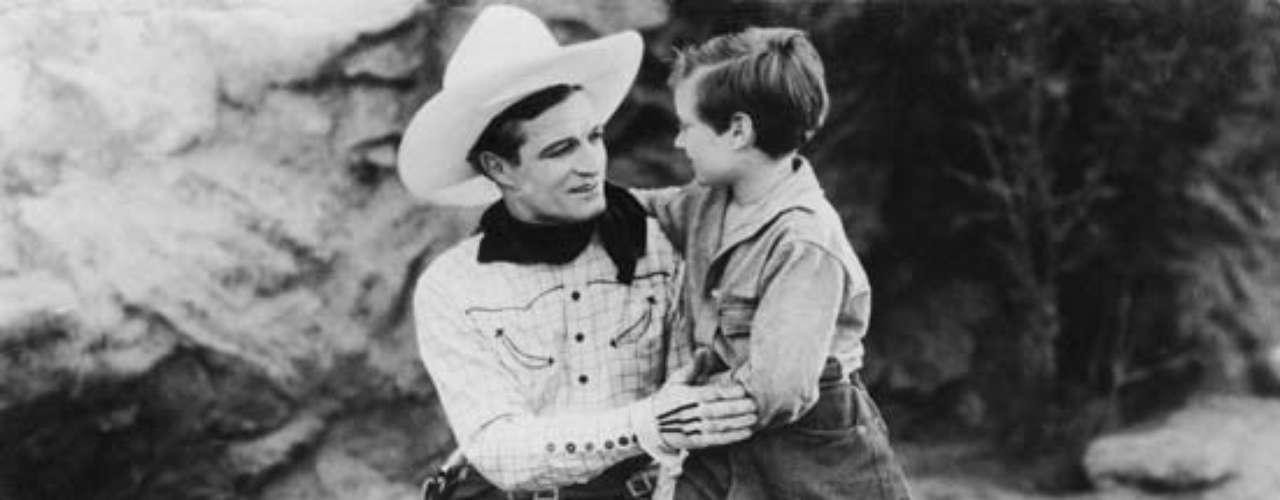 Tom Mix puede uno de los primeros actores en destacarse en el género western. Entre 1909 y 1935 rodó casi 300 películas donde le dio vida a varios tipos de vaqueros. El 12 de octubre de 1940 murió en un accidente en Florence, Arizona.