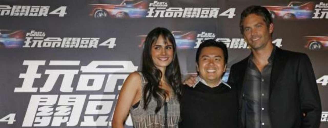 Junto a Jordana Brewster y eldirector Justin Lin en Taipei.